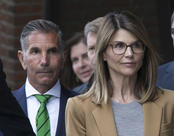 Lori Loughlin sai pienemmän tuomion kuin puoliso Mossimo Giannulli.