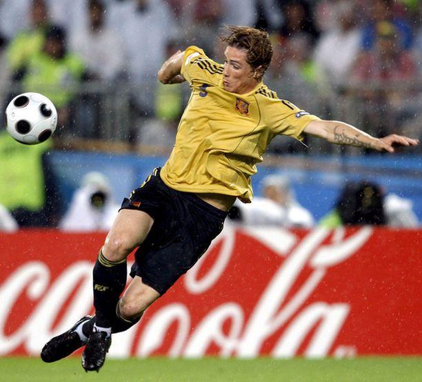 Fernando Torresin rooli kasvaa, kun David Villa jää finaalista pois.