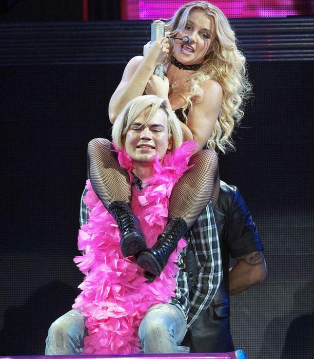 Harva pääsee näin lähelle Britneytä!