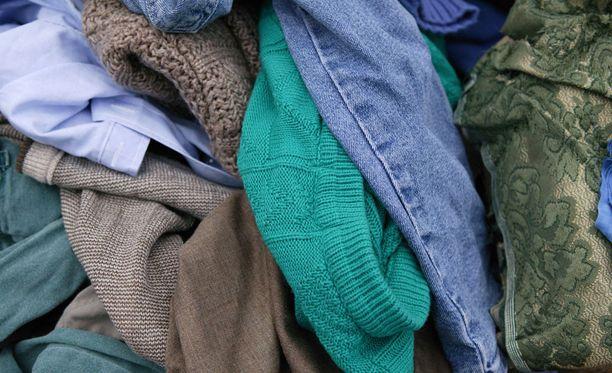 Huonokuntoisten tekstiilien kierrätystä pyritään kehittämään eri puolilla maailmaa.