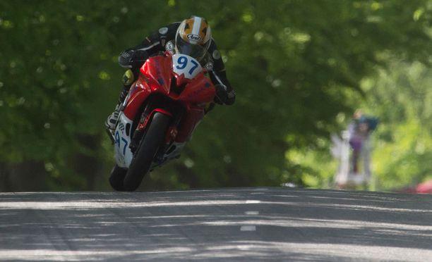 Sammy Ahonen kilpaili toista vuottaan IRRC-sarjan Supersport-luokassa.