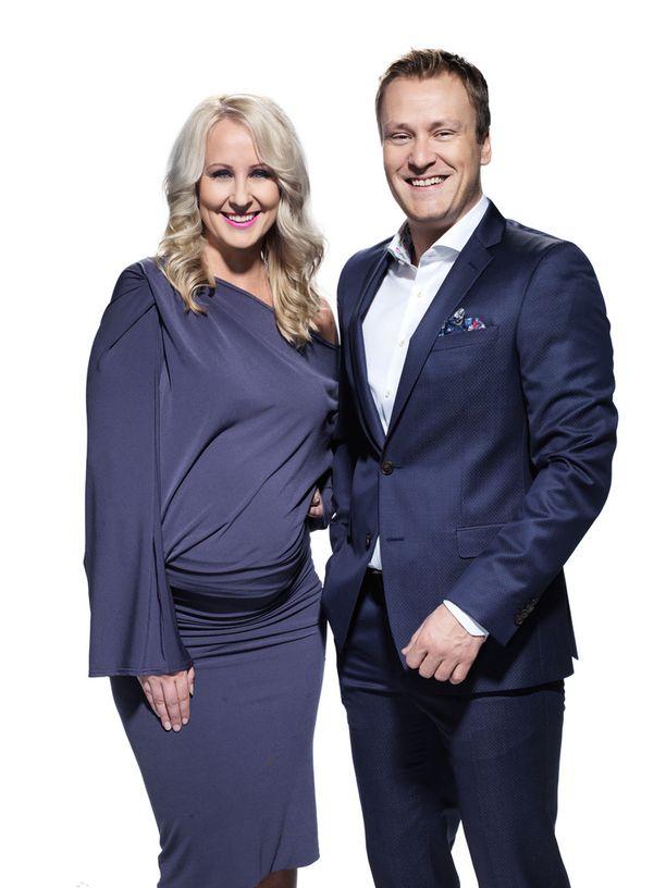 Elina Kottonen on Heikki Paasosen uusi juontajapari.