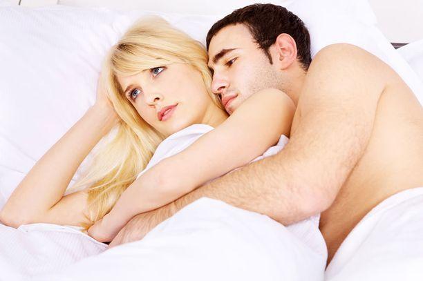 Liika ajattelu voi pilata naisen nautinnon, miehet taas sortuvat helposti kiirehtimiseen.