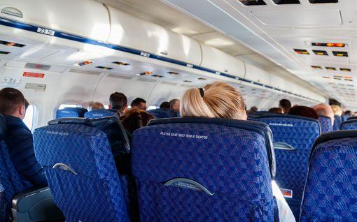 Lentomatkustajien oikeuksia ollaan heikentämässä – jatkossa lento saisi myöhästyä jopa 12 tuntia