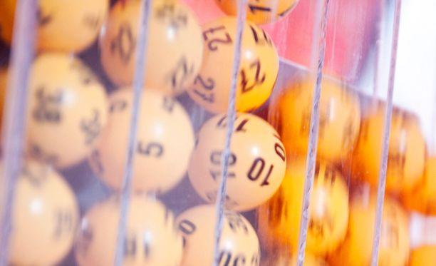 Kaikkien aikojen suurin lottovoitto on yli 14 miljoonaa euroa.