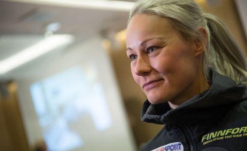 Iltalehti tapasi Anne Kyllösen keskiviikkona Helsinki-Vantaalla hiihtomaajoukkueen mediatilaisuudessa.