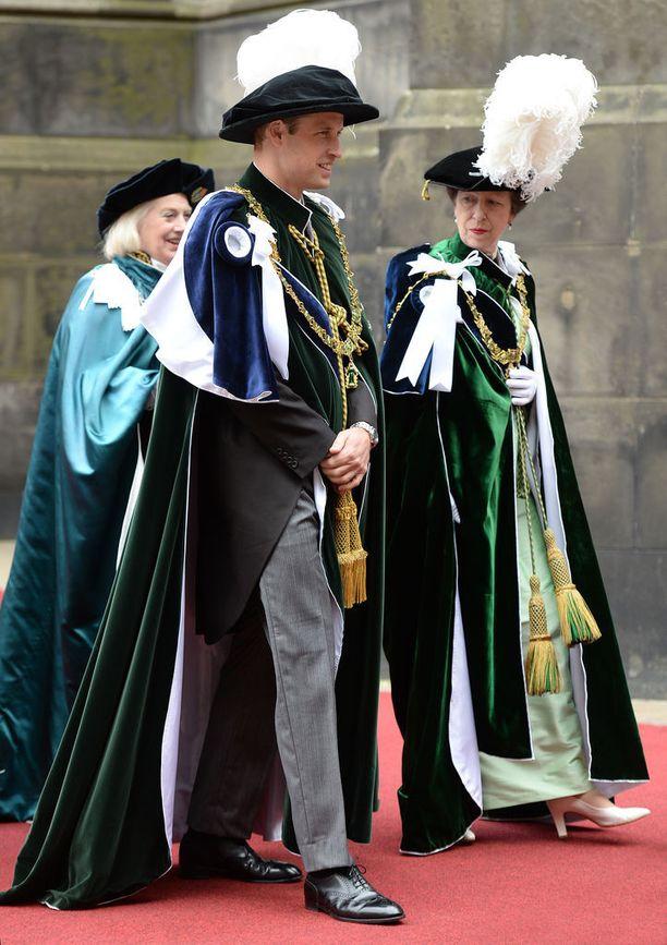 Prinssi William näytti tilaisuudessa vakavalta.
