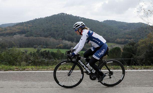 Lotta Lepistö Ronde van Drenthe päättyi kaatumisen kauden ollessa aluillaan.