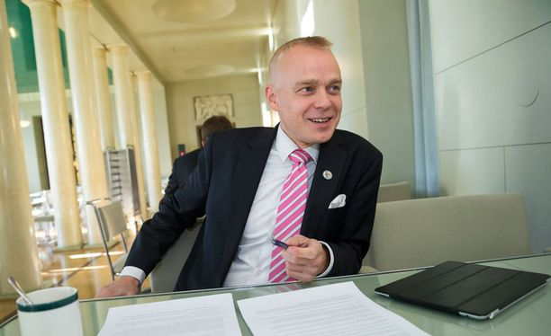 Kansanedustaja Timo Heinonen (kok).