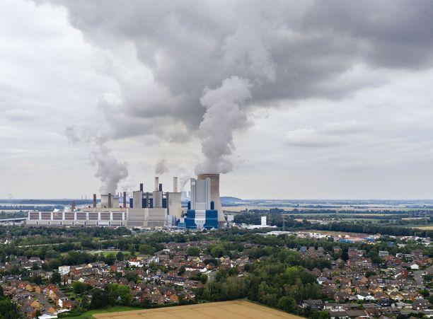 ihmiskunnan fossiilisen energian käyttö tuottaa jo mittauksin havaittavan muutoksen ilmastojärjestelmässä.