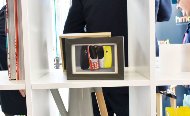 Uusi Nokia 3310 poikkeaa alkuperäismallista muun muassa muotoilullaan ja värinäytöllään.