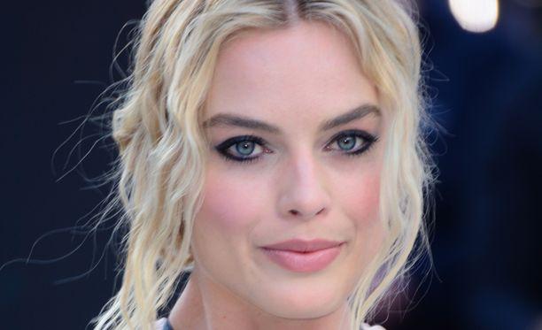Margot Robbie on tänä kesänä tuttu näky valkokankailla.