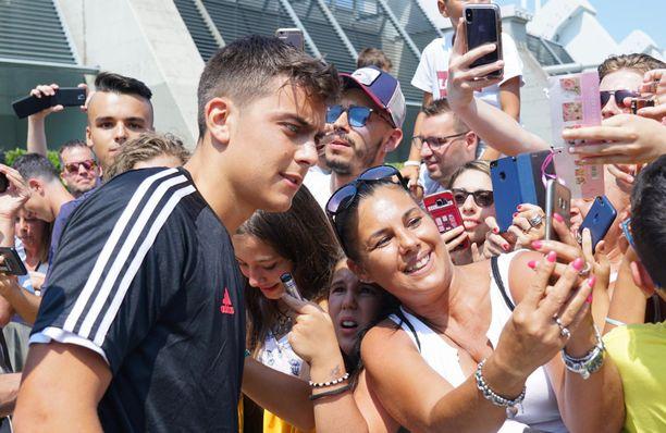 Paulo Dybala saattaa siirtyä Tottenhamiin vielä ennen valioliigakauden alkua, jos seura pääsee samalle viivalle hänen kanssaan sopimuksen ehdoista.