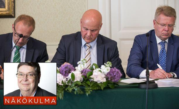 Kikyä allekirjoittamassa kesäkuussa 2016 SAK:n puheenjohtaja Jarkko Eloranta, STTK:n puheenjohtaja Antti Palola ja EK:n toimitusjohtaja Jyri Häkämies.