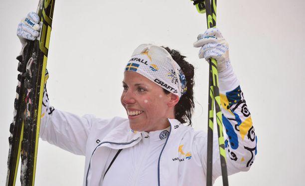 Charlotte Kalla kisaa huhtikuussa Ruotsin kärkipään miehiä vastaan.