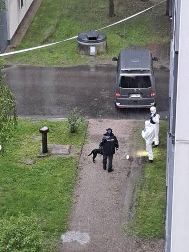 Ampumavälikohtaus tapahtui toukokuussa Järvenpäässä sijaitsevien kerrostalojen pihalla.