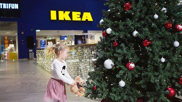 Matkuksessa ovat esillä niin maailmanluokan brändit kuin paikalliset tuotteetkin IKEA-tavaratalon kanssa saman katon alla.