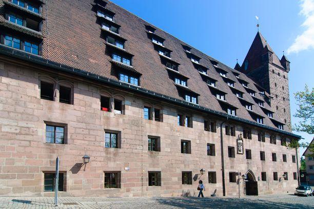 Nürnbergin linnan entinen tallirakennus toimii nykyään hostellina.