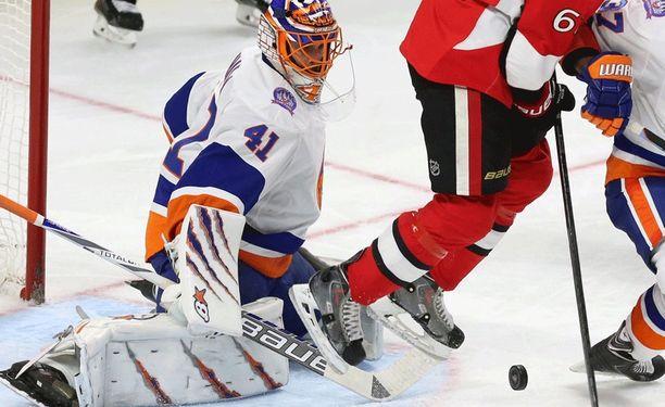 New York Islanders niistää voittoja Jaroslav Halakin torjuntatyöskentelyn ansiosta.