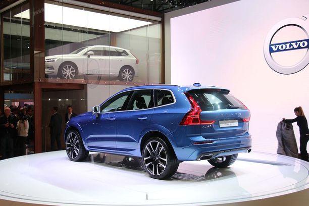 Takavaloista tunnistaa helposti Volvon.
