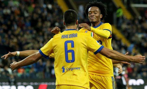 Sami Khedira ja Juan Cuadrado tuulettivat Juventuksen 2-1-maalia.