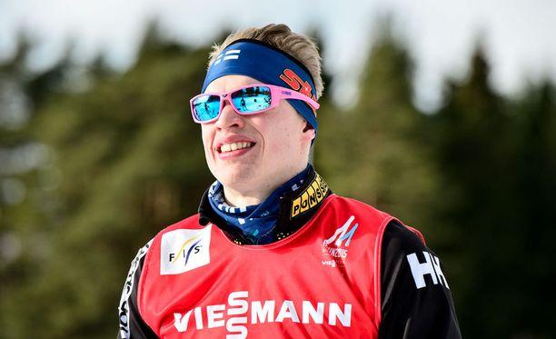 Iivo Niskasen Facebook-sivulla on seitsemän sponsorin nimi. Red Bull ei ole yksi niistä.