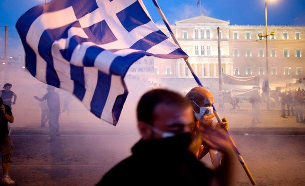 Kreikassa mellakoidaan tälläkin hetkellä, koska kansalaiset vastustavat valtion tiukkaa säästökuuria.