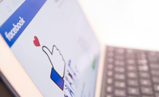 Peukku alaspäin saapui testattavaksi osalle Facebook Messengerin käyttäjistä. Jos se saa suosiota, ominaisuus laajennettaneen myös suuremman joukon käyttöön.