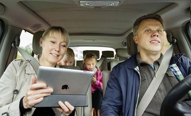 600 gramman iPad muuttuu 96 kg:n tappovälineeksi äkkipysäyksessä 100 km/h nopeudesta. Kuvituskuva.