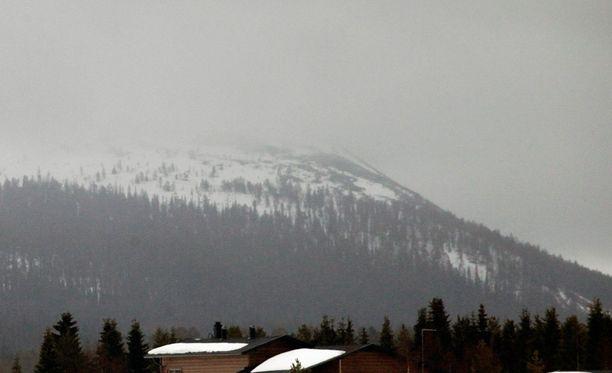 Lumivyöry vei jonkin matkaa mukanaan naishiihtäjää. Kuva Ylläkseltä.