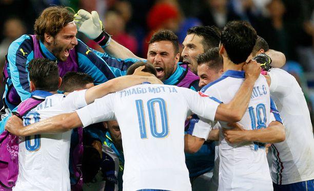 Italia juhli tärkeää voittoa Belgiasta myöhään maanantai-iltana.
