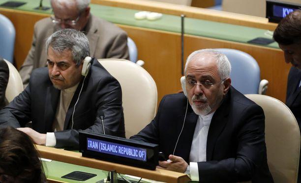 Iranin ulkoministeri Mohammad Javad Zarif (oikealla) kuvattuna New Yorkissa keväällä 2018.