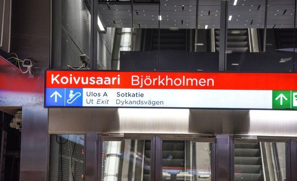 Länsimetron asemat pysynevät hiljaisina vielä syyskuun loppuun saakka.
