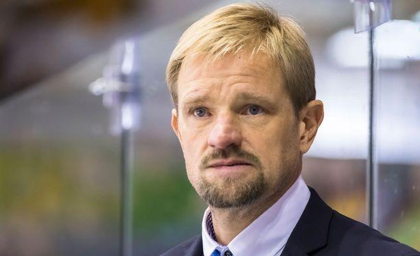 Petri Matikainen kohtasi loukkaantumishuolia tiistaina ottelussa Ilvestä vastaan.