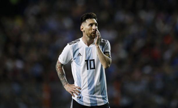 Lionel Messi joutui kovan paineen kohteeksi suunnitellun Israel-ottelun alla.