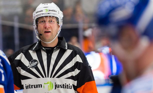 Päätuomari Teemu Salminen ei ole Pekka Virran kaveri.