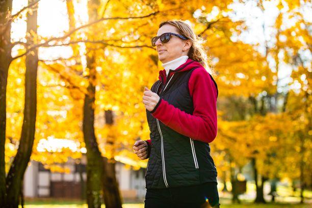 Aktiivinen liikunta näyttää olevan erityisen suositeltavaa viisikymppisille naisille.