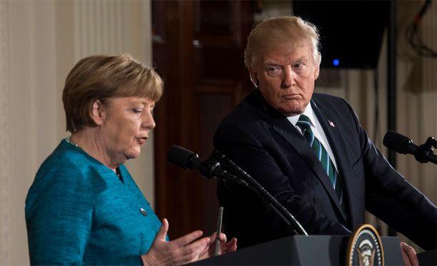Angela Merkel ja Donald Trump tapasivat perjantaina ja pitivät tapaamisensa jälkeen tiedotustilaisuuden tapaamisen sisällöstä.