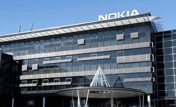 Nokia suorittaa Suomessa massiiviset irtisanomiset.