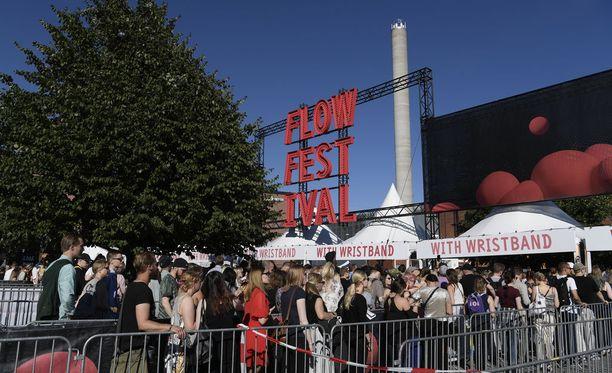 Festivaaliorganisaatio tyrmäsi kovin sanoin viikonlopun tapahtumat.