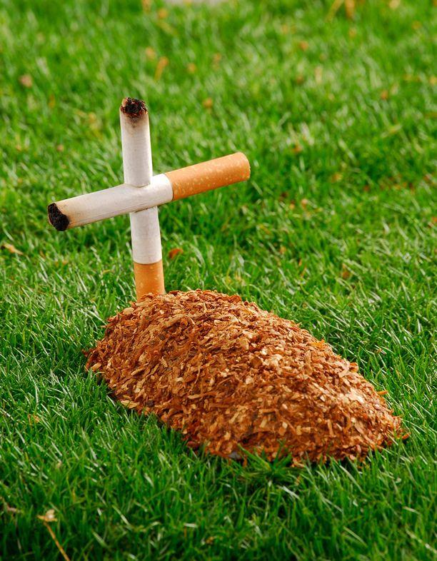 Tupakka ei ole terveystuote ja siksi jemmassa. Sehän ei tosin ole kassan vika.