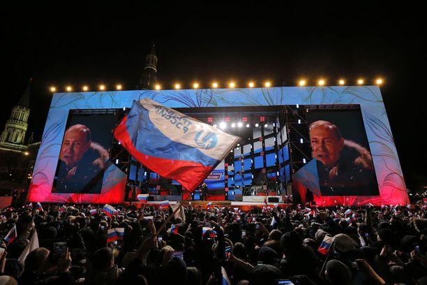 Moskovassa juhlittiin sekä Putinin voittoa että Krimin liittämistä Venäjään.
