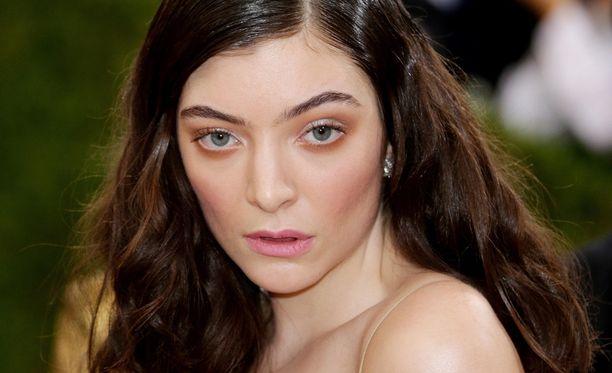 Lorde aiheutti pahaa mieltä julkaisemalla ajattelemattoman kuvapäivityksen.