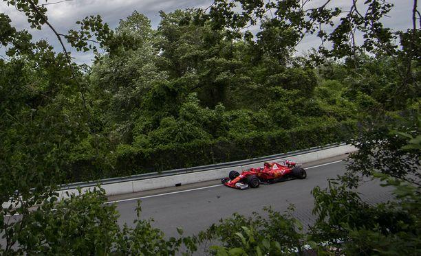 Kimi Räikkönen kurvasi Kanadan katuradalla.