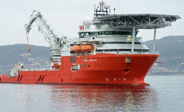 Seabed Constructor määrättiin purjehtimaan Islantiin, koska sen etsintäluvat eivät olleet kunnossa.