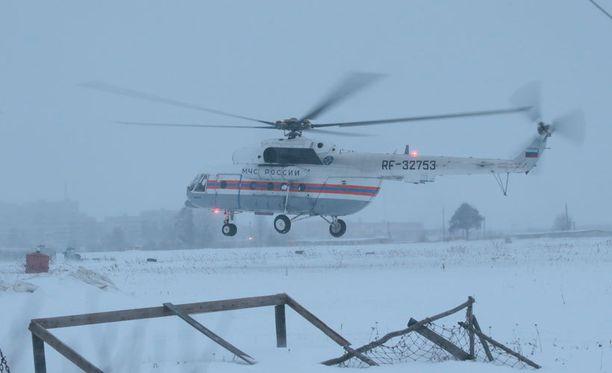 Helikopteri lähti matkaan Segezhassa, jossa Khodorkovsky oli vangittuna.