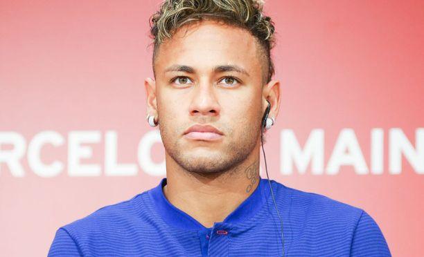 Neymar ei ole kommentoinut vahvasti tapetilla olevaa PSG-linkkiä mitenkään, mutta brassi saattoi kertoa tilanteestaan Instagram-kuvalla.