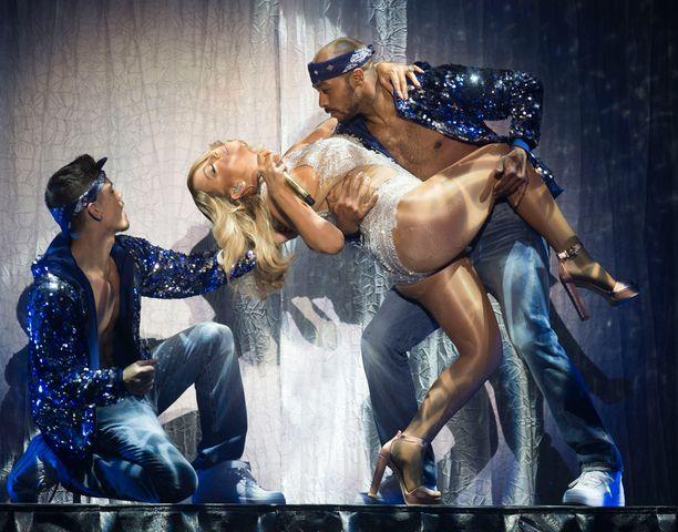 15. maaliskuuta Mariah Carey esiintyi Skotlannissa.