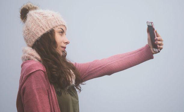 Miksi otamme selfieitä? Kysymykselle ei ole yksiselitteistä vastausta.