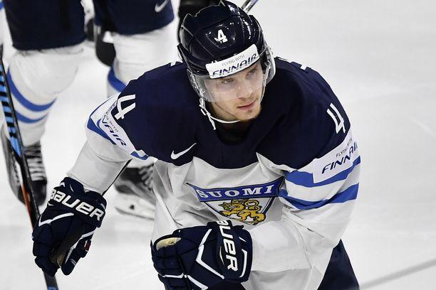 Mikko Lehtonen juhli Leijonien kanssa maailmanmestaruutta 2019.